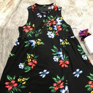 NWT Old Navy Pretty Floral Dress, Size L